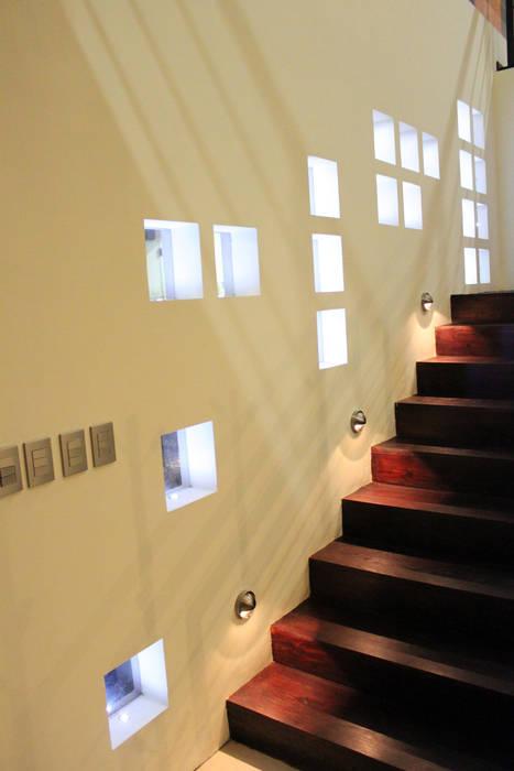 Casa J+S ARQUIMIA ARQUITECTOS Arquimia Arquitectos Paredes y pisos de estilo moderno