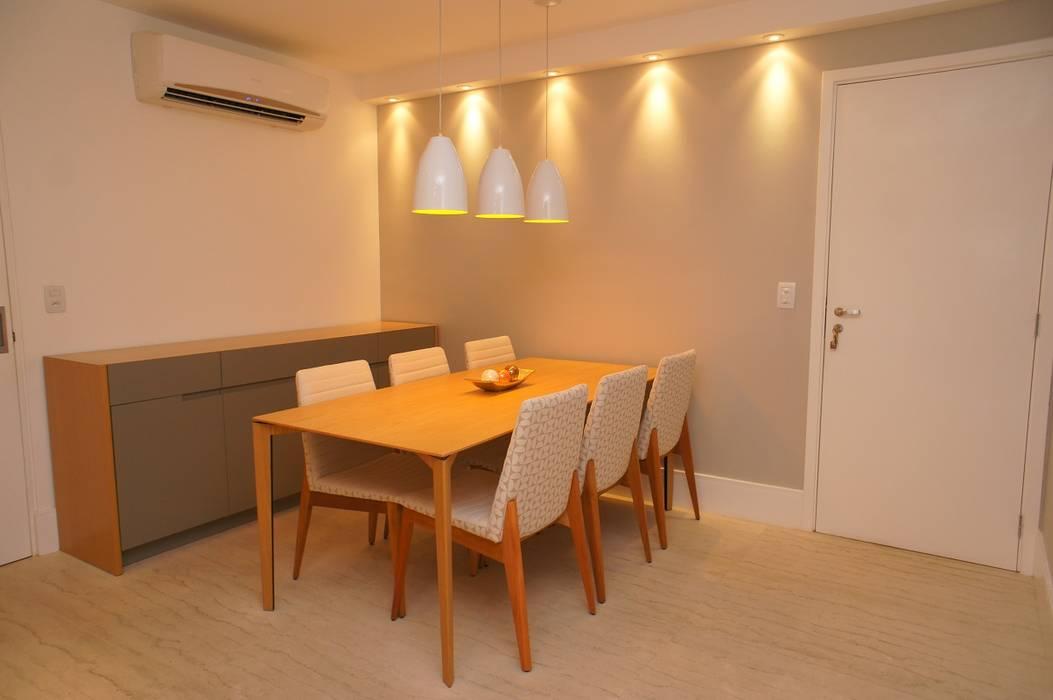 Modern dining room by Adoro Arquitetura Modern Wood Wood effect