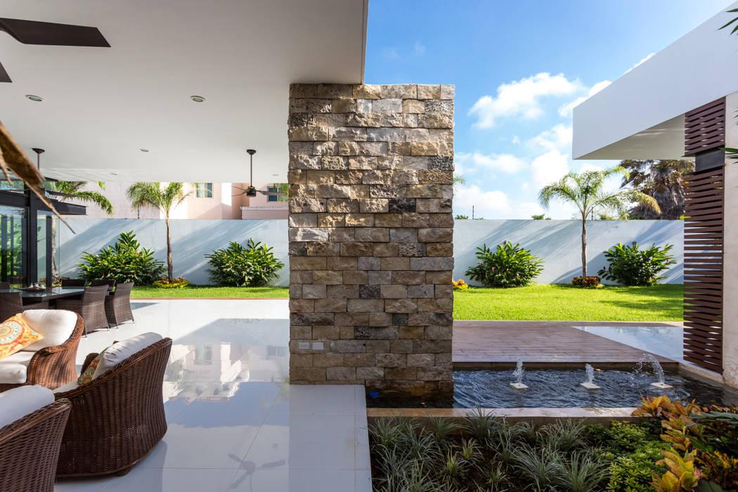 Terrace by P11 ARQUITECTOS, Modern