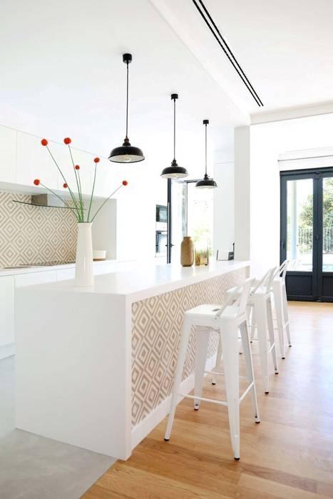 T3 Lisbon Luxury Apartment: Cozinhas  por EU LISBOA,