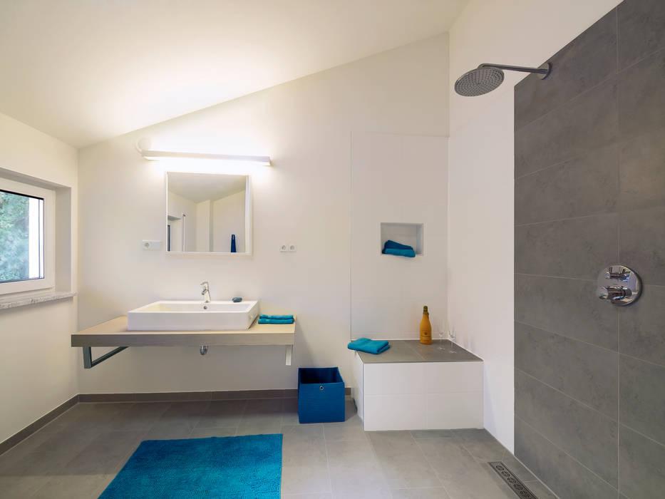 Musterhaus Bad Vilbel 142 Moderne Badezimmer Von Licht Design