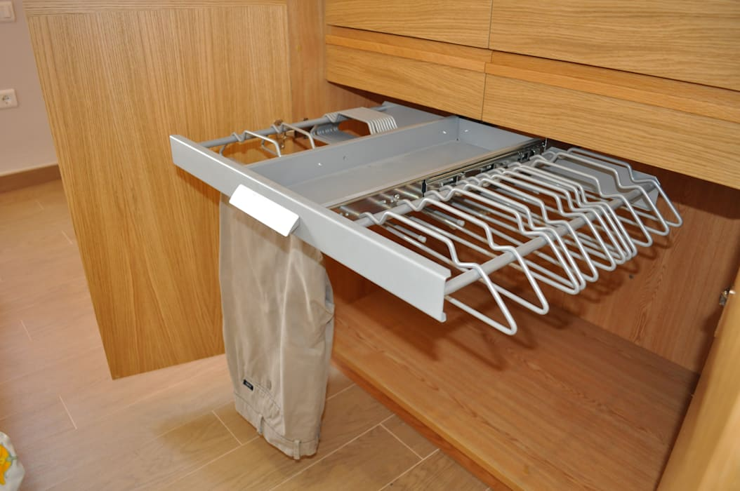 MUDEYBA S.L. BedroomAccessories & decoration Metal Wood effect