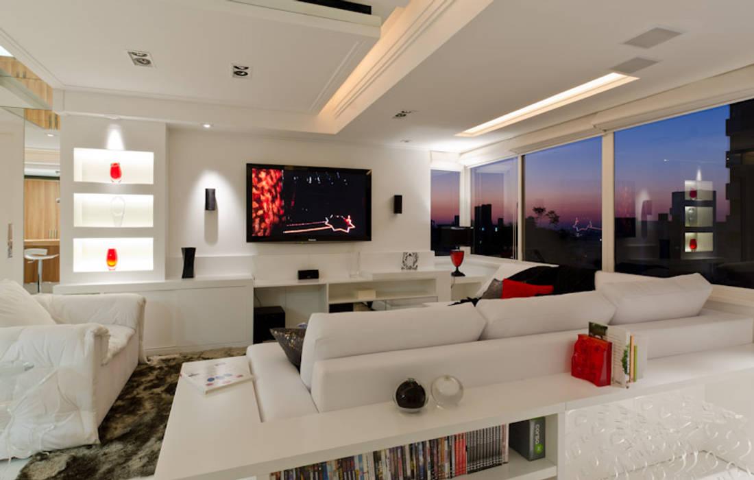 Estar - O Requinte do Branco - HB ARQUITETOS Salas de estar modernas por HB Arquitetos Associados Moderno MDF