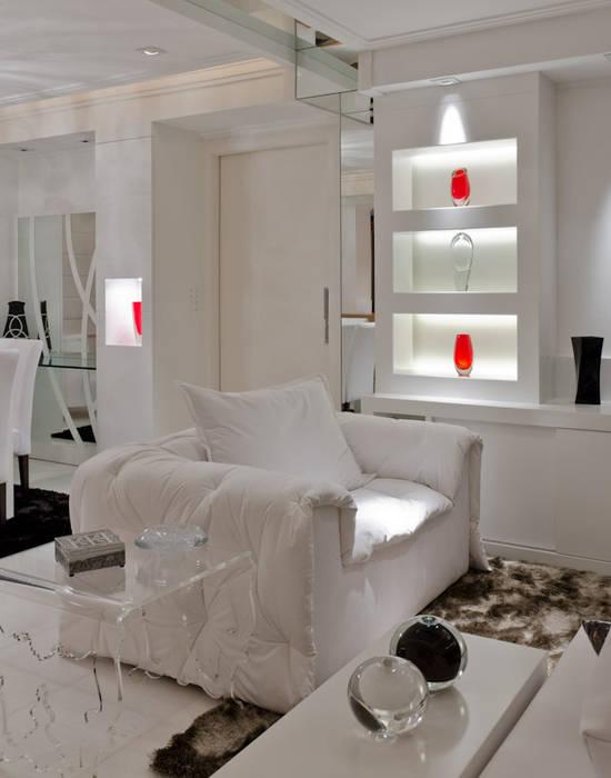 Salon de style  par HB Arquitetos Associados, Moderne MDF