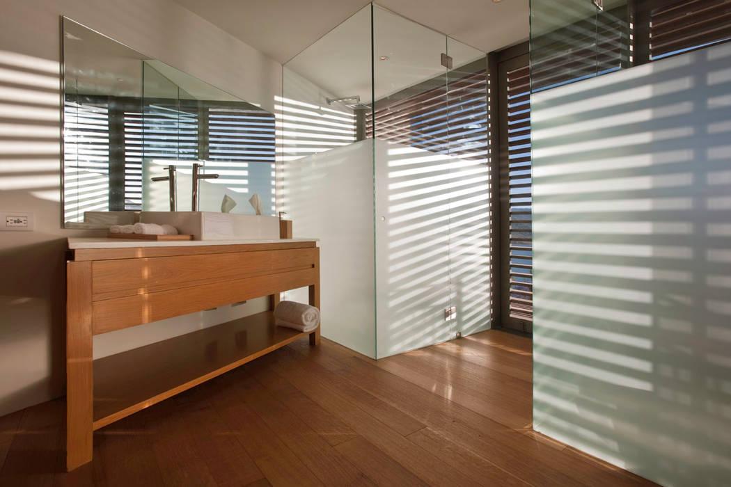 Serrano Monjaraz Arquitectos Modern walls & floors
