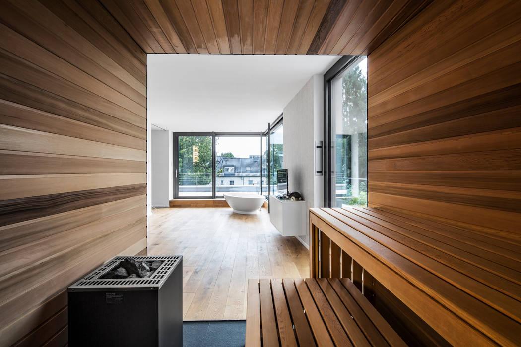 Projekty,  Spa zaprojektowane przez Corneille Uedingslohmann Architekten, Nowoczesny