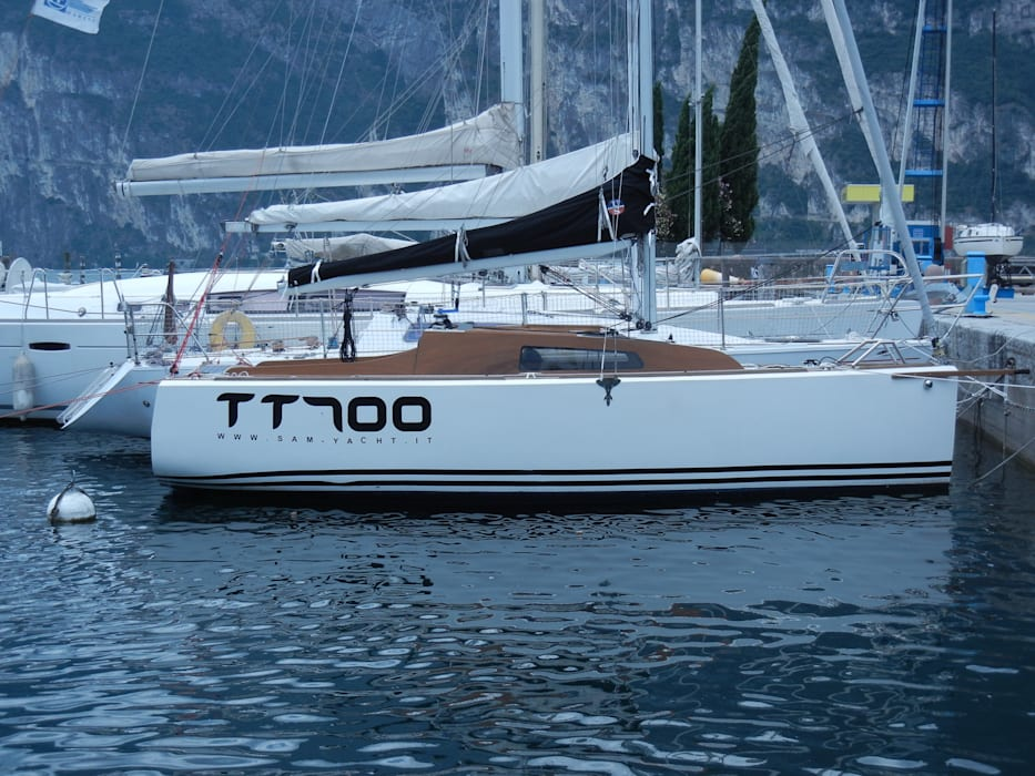 TT700 Zerbinati Yacht Design and Survey Yacht & Jet classici