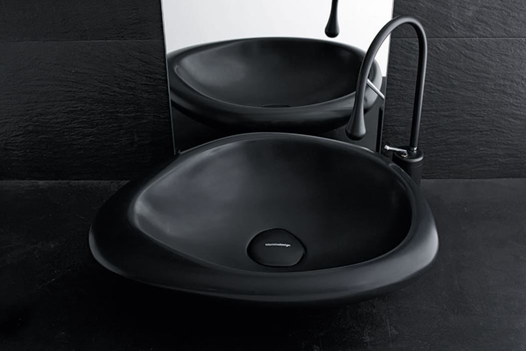 Sasso sit-on wash basin black version Mastella Design BagnoLavabi Sintetico Nero