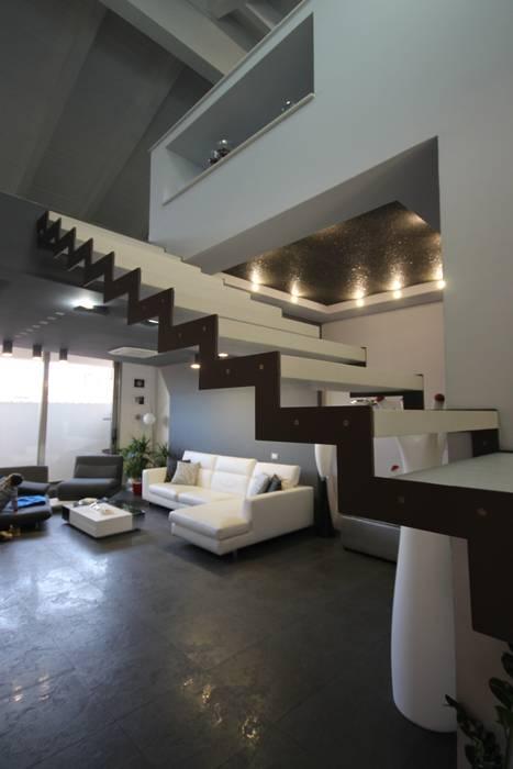 Corridor & hallway by Studio Ferlenda, Modern