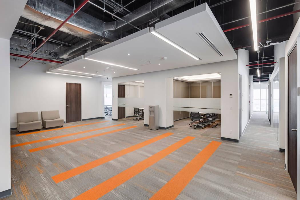 Corporativo en Reforma Diana Estudios y despachos modernos de usoarquitectura Moderno