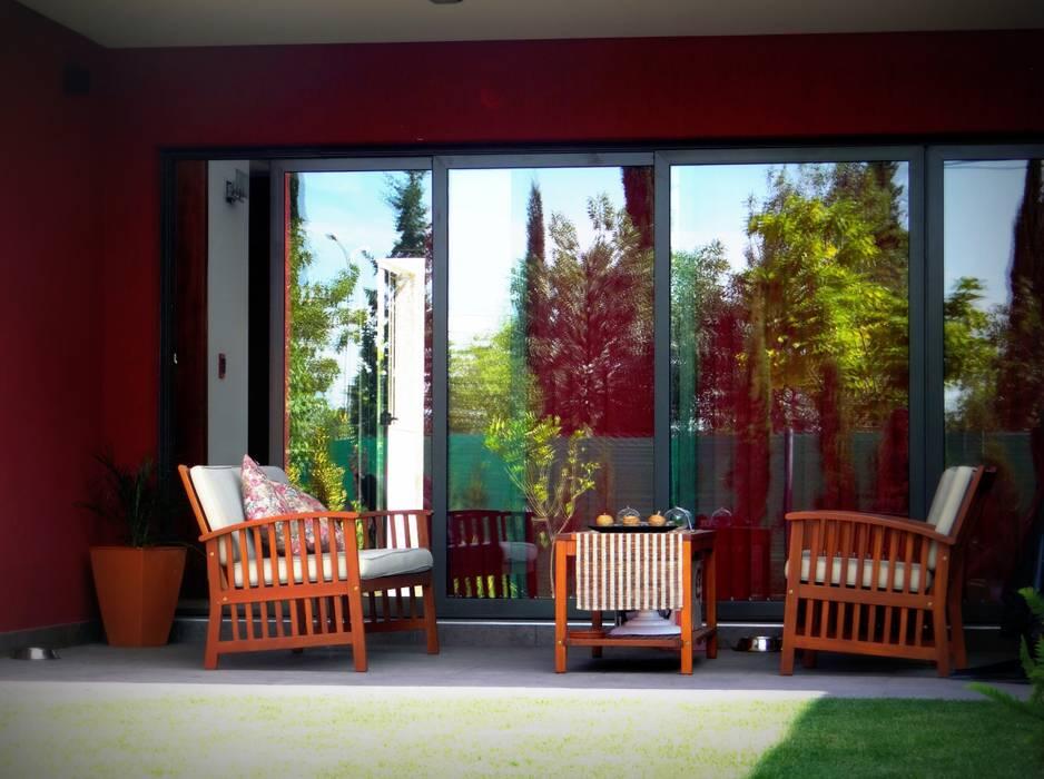 Galería: Jardines de estilo moderno por VYC Arquitectura