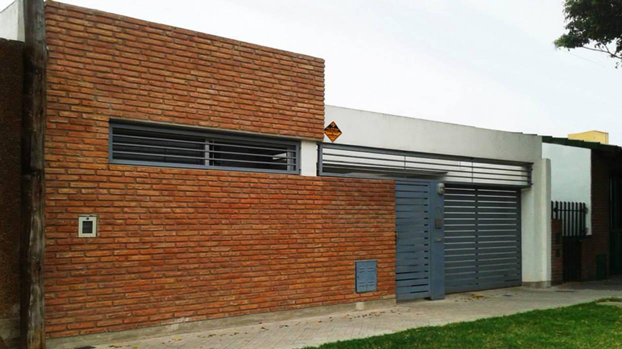 Moderne Häuser von ELVARQUITECTOS Modern