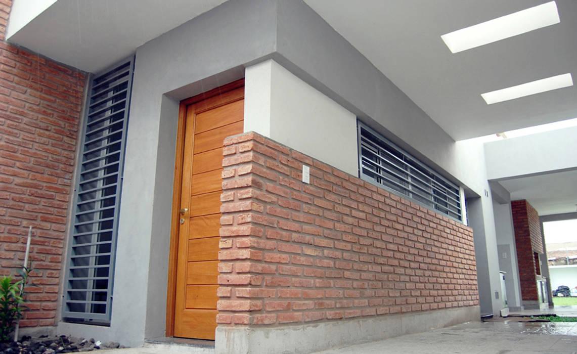 Maisons de style  par ELVARQUITECTOS