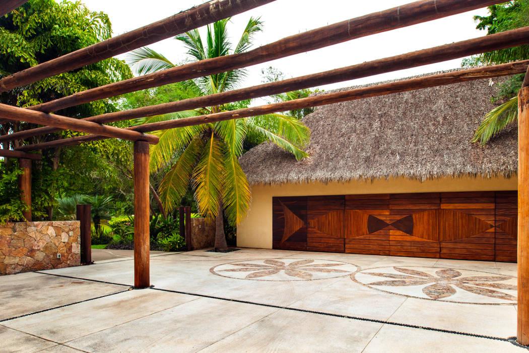 Paredes y pisos de estilo tropical de BR ARQUITECTOS Tropical