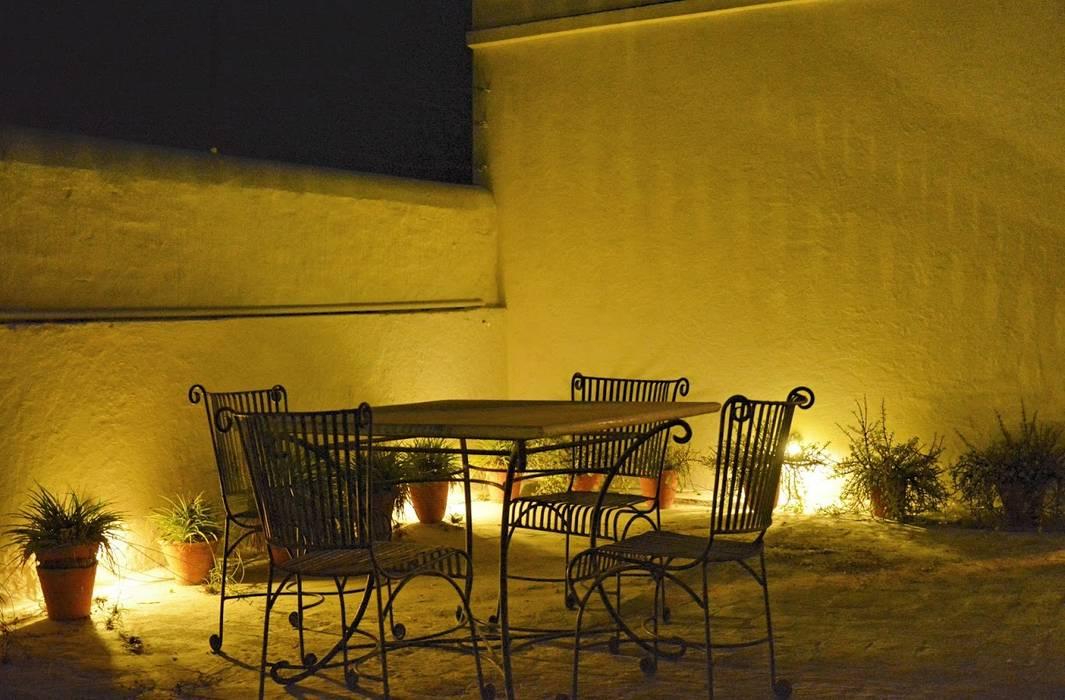 Unchagaon:  Terrace by Studio Ezube