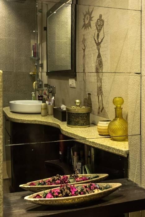 Singh Residence:  Bathroom by Studio Ezube
