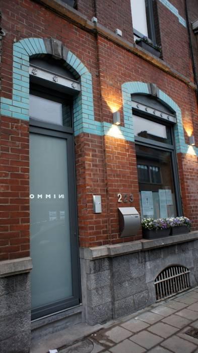 Façade avant: Maisons de style  par Bureau d'Architectes Desmedt Purnelle