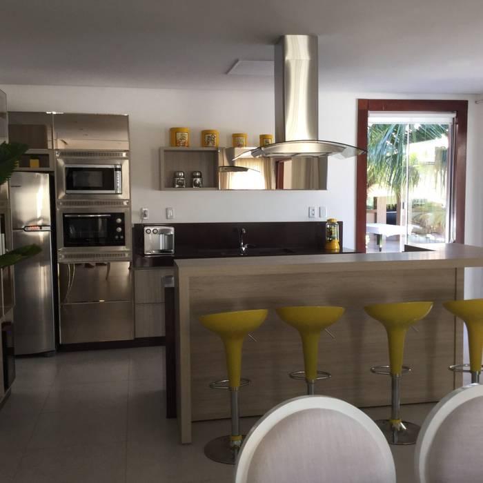 Beatrice Oliveira - Tricelle Home, Decor e Design Modern kitchen