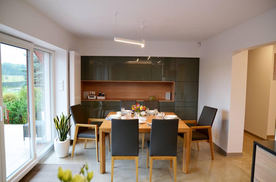 Pracownia A Minimalist dining room Grey