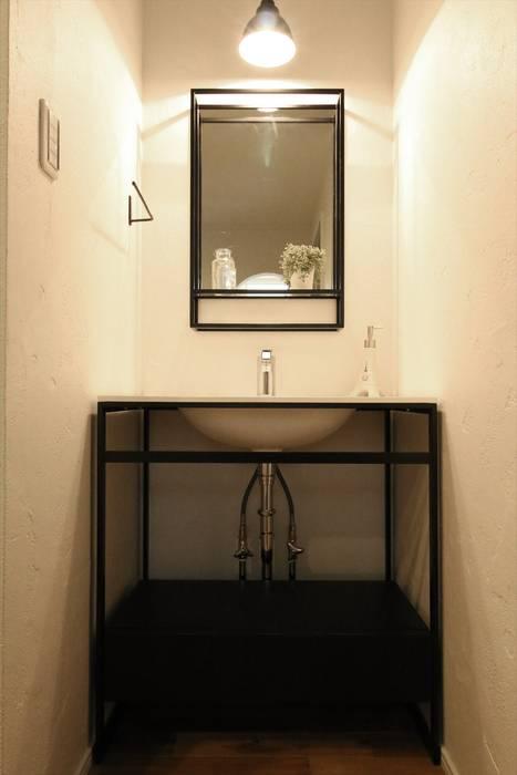 現代浴室設計點子、靈感&圖片 根據 ジャストの家 現代風