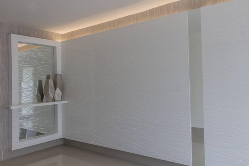Vestíbulo con 3D con ondas Pasillos, vestíbulos y escaleras de estilo moderno de Monica Saravia Moderno Madera Acabado en madera
