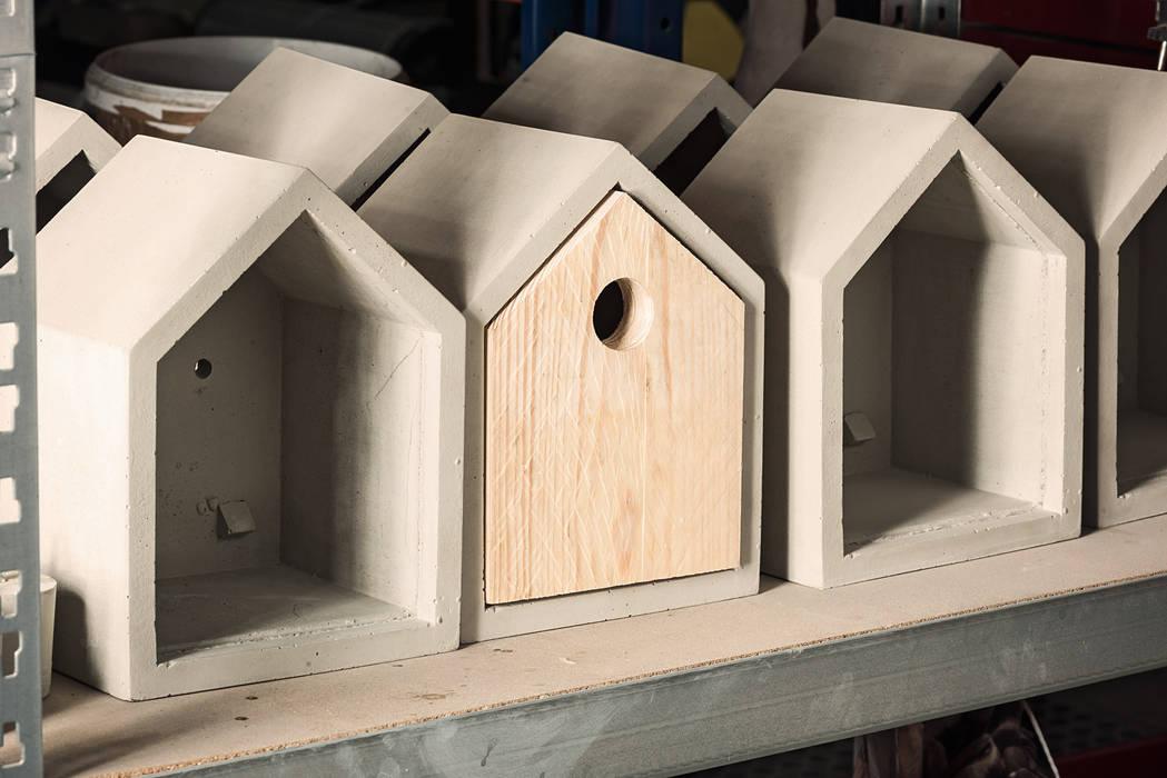 "Concrete bird house ""Rohbau"" de Betoniu GmbH Minimalista"