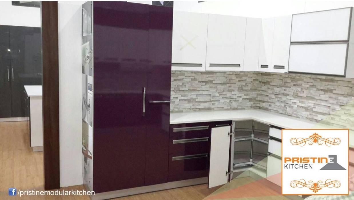 Pristine Kitchen Moderne Küchen
