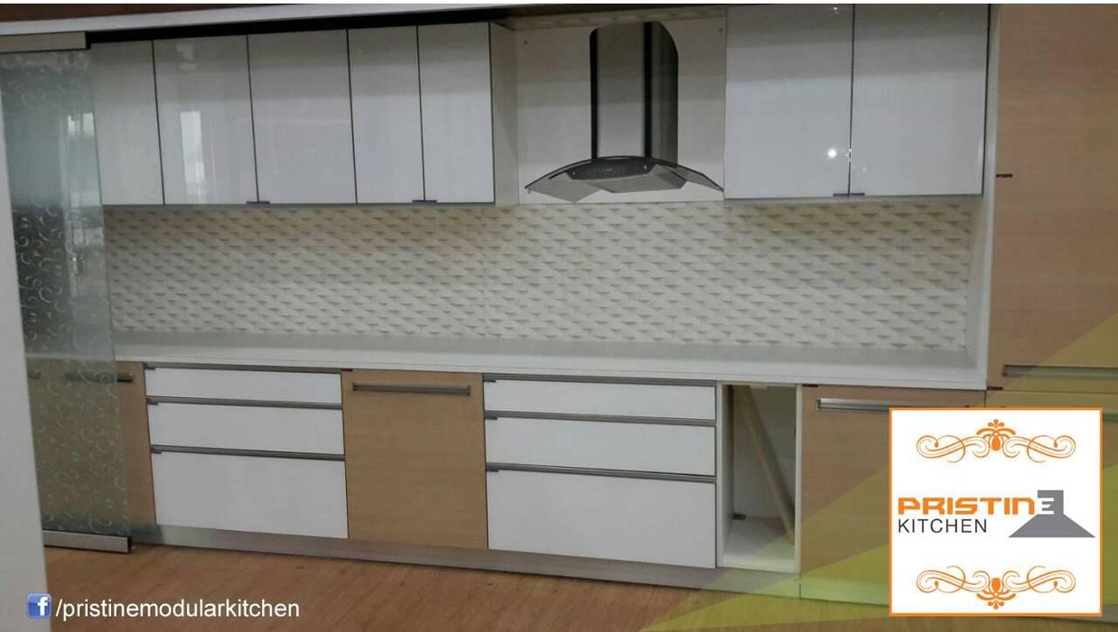 Moderne Küchen von Pristine Kitchen Modern