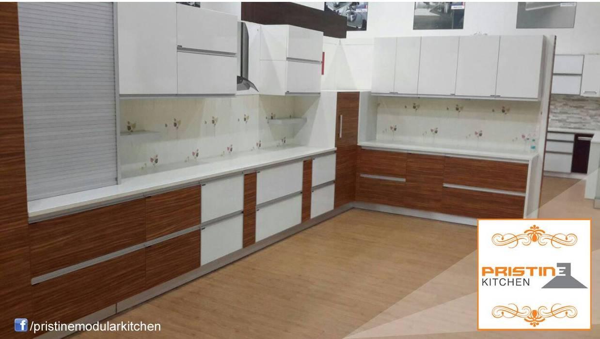 Cuisine moderne par Pristine Kitchen Moderne