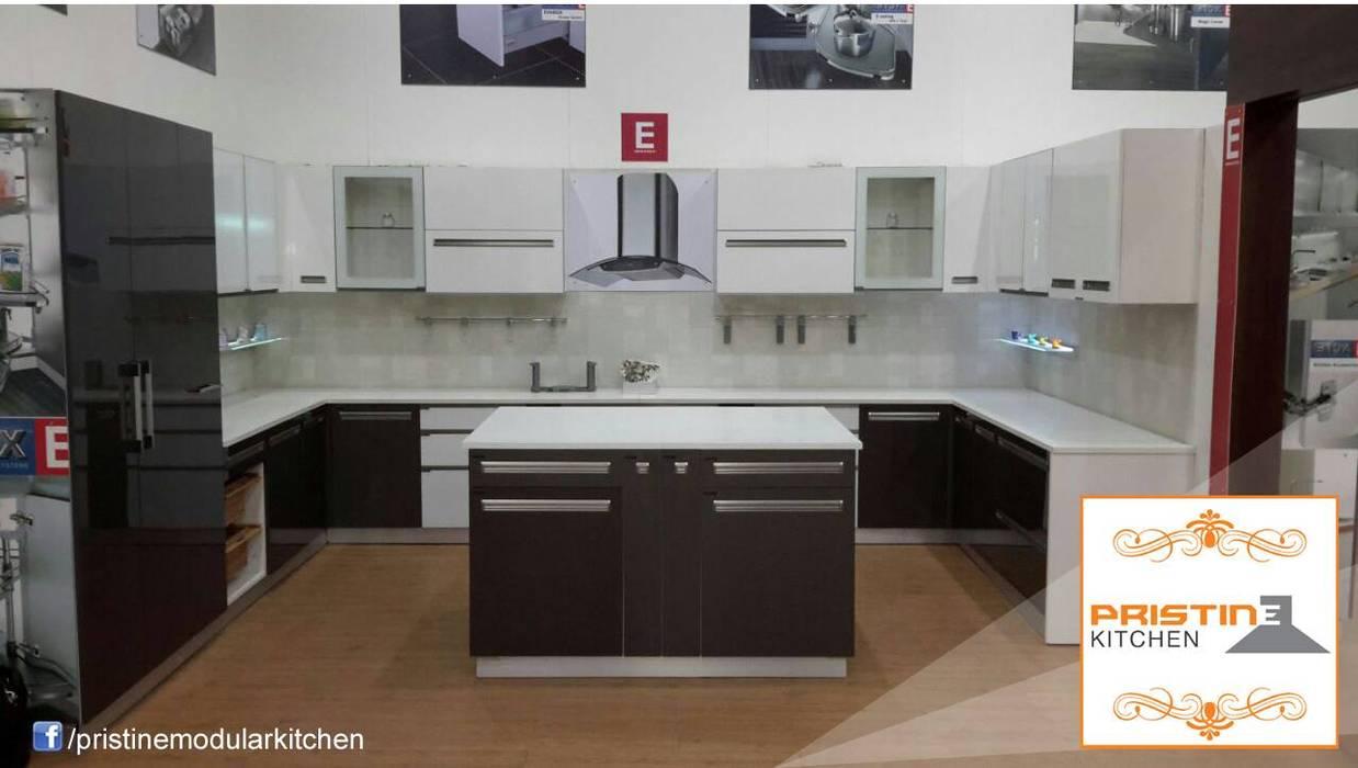 Cozinhas modernas por Pristine Kitchen Moderno