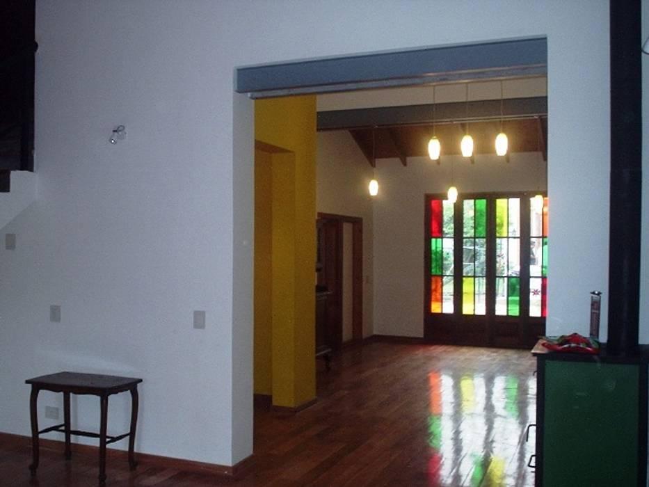 Reforma Casa en Caballito C.A.B.A: Livings de estilo  por AyC Arquitectura