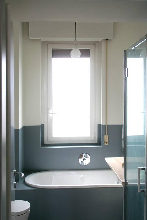 Bagno: Bagno in stile in stile Minimalista di Atelier delle Verdure