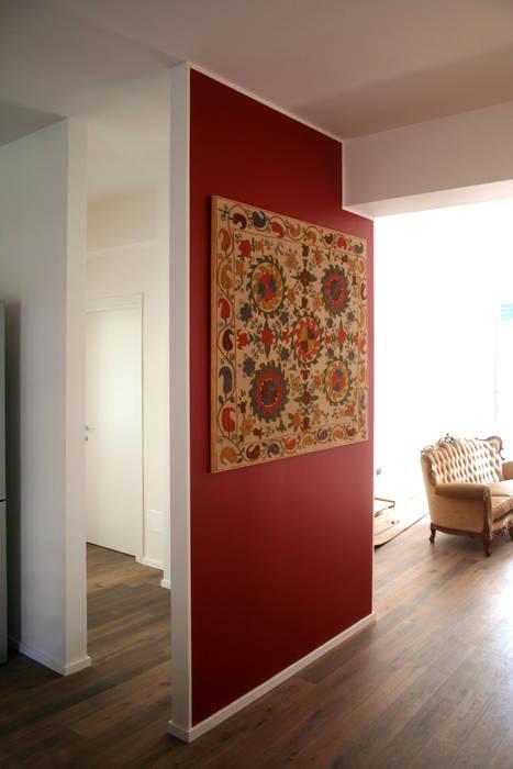 Salas de estar ecléticas por Atelier delle Verdure Eclético