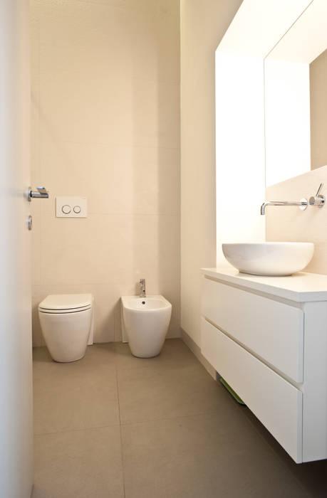 Mediterranean style bathrooms by disegnoinopera Mediterranean