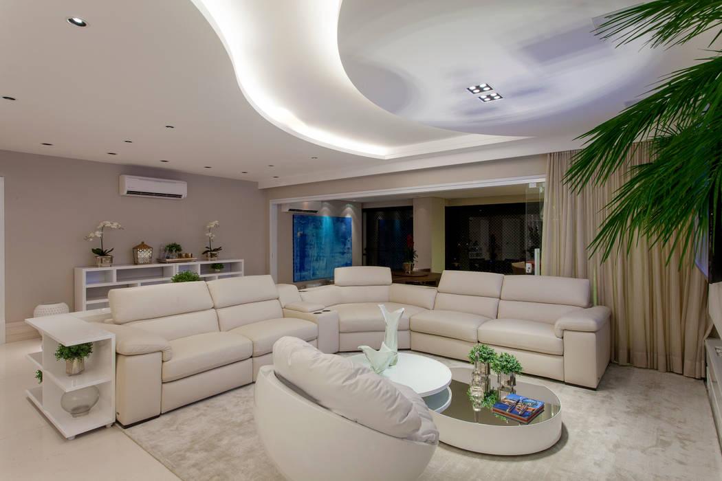 Designer de Interiores e Paisagista Iara Kílaris Modern living room White