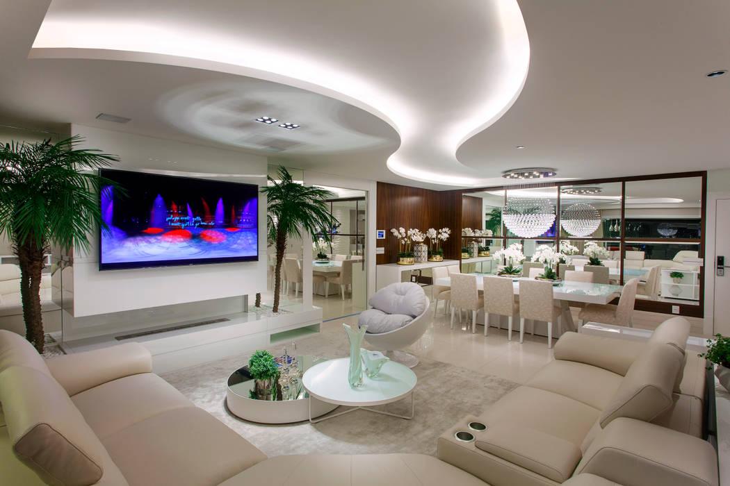 Apartamento São Paulo: Salas de estar  por Designer de Interiores e Paisagista Iara Kílaris