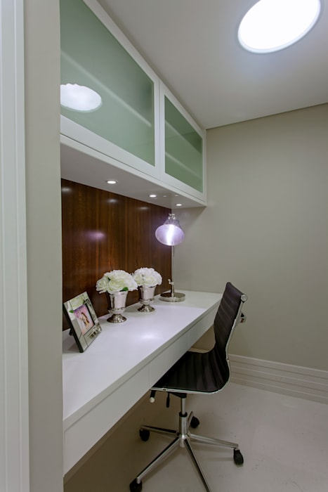 من Designer de Interiores e Paisagista Iara Kílaris حداثي خشب Wood effect