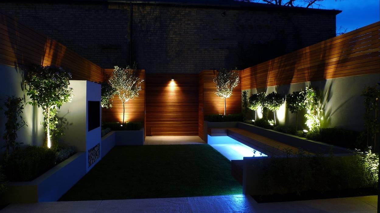 Jardines de estilo  por Akasha espacios iluminados,