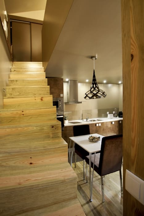 Pasillos y vestíbulos de estilo  de RH Casas de Campo Design,