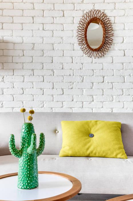 PROJET VOLTAIRE, Agence Transition Interior Design, Architectes: Carla Lopez et Margaux Meza Salon moderne par Transition Interior Design Moderne