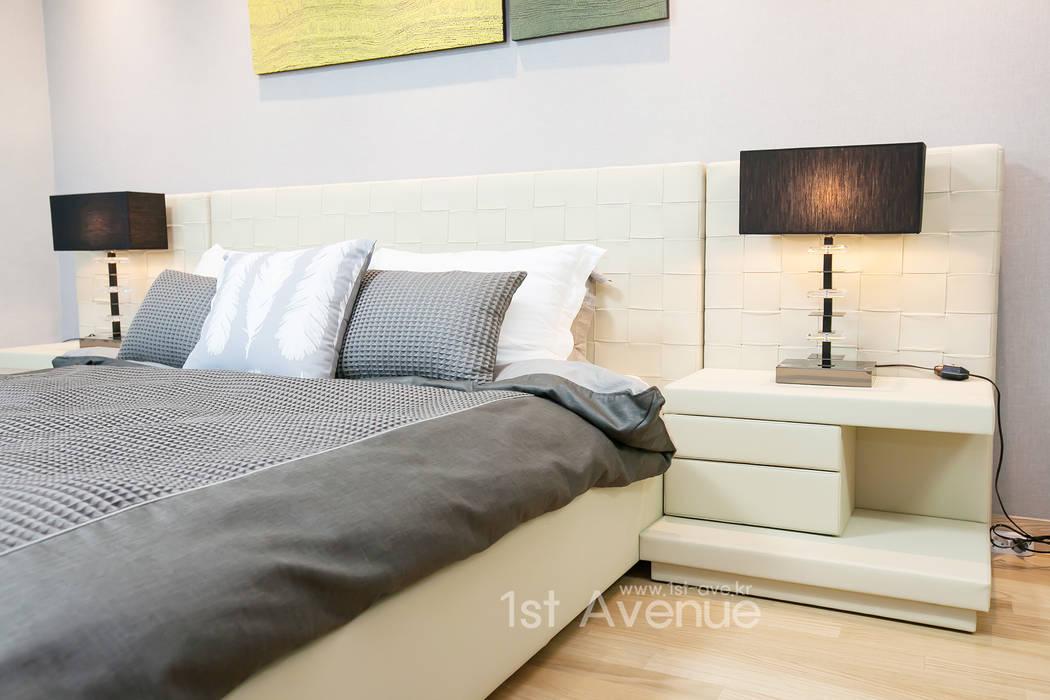 은은한 고급스러움을 표현한 녹번동 인테리어: 퍼스트애비뉴의  침실,모던