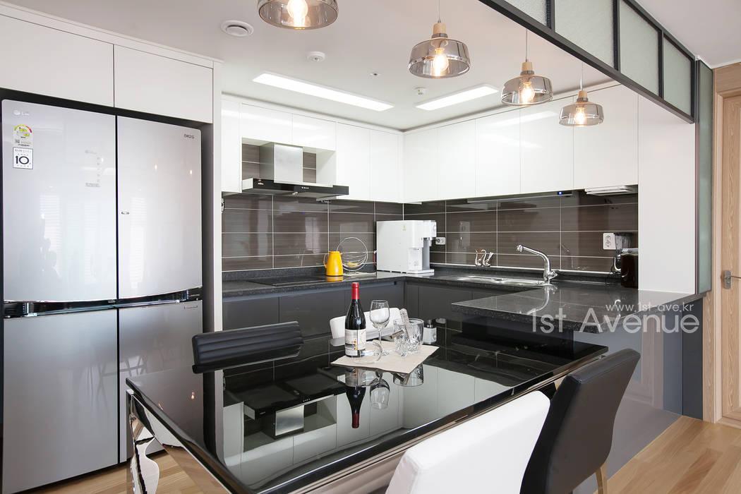 은은한 고급스러움을 표현한 녹번동 인테리어: 퍼스트애비뉴의  주방,모던