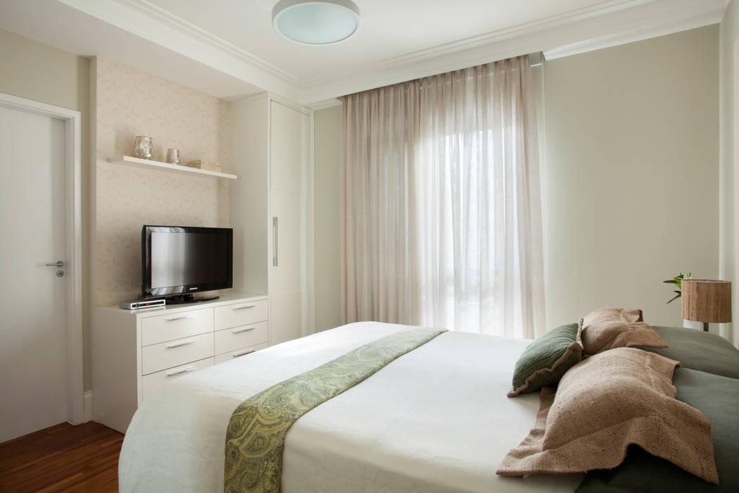 Modern Bedroom by Silvana Lara Nogueira Modern