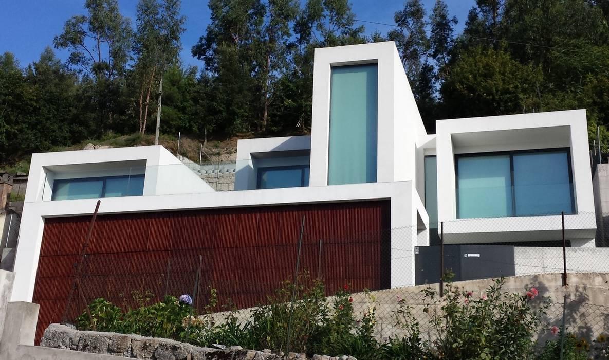 บ้านและที่อยู่อาศัย โดย Hugo Pereira Arquitetos, มินิมัล