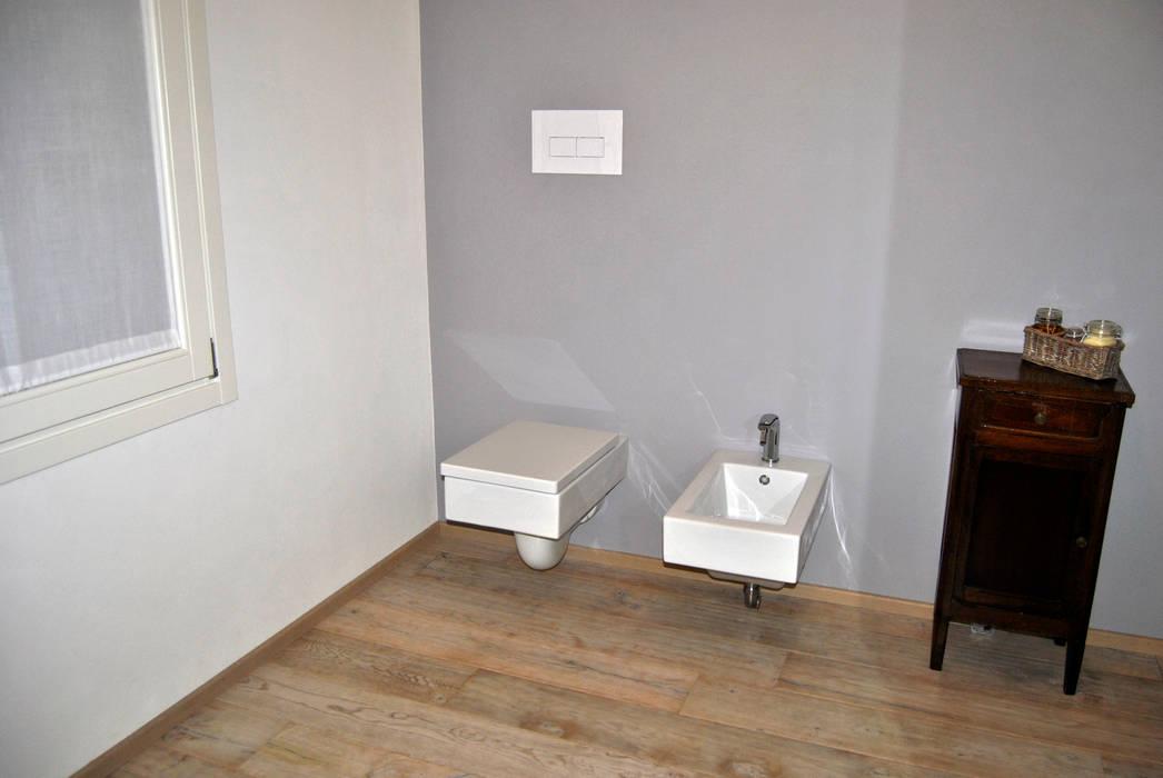 Baños de estilo  de ArcKid, Moderno
