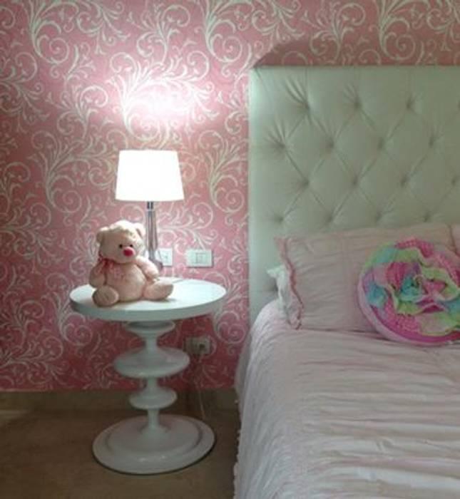 Habitación rosa Habitaciones para niños de estilo moderno de Monica Saravia Moderno