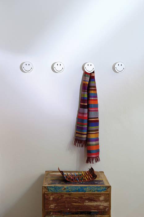 Entra e sorridi: Art-Up Smiley di Creativando Srl - vendita on line oggetti design e complementi d'arredo Moderno MDF