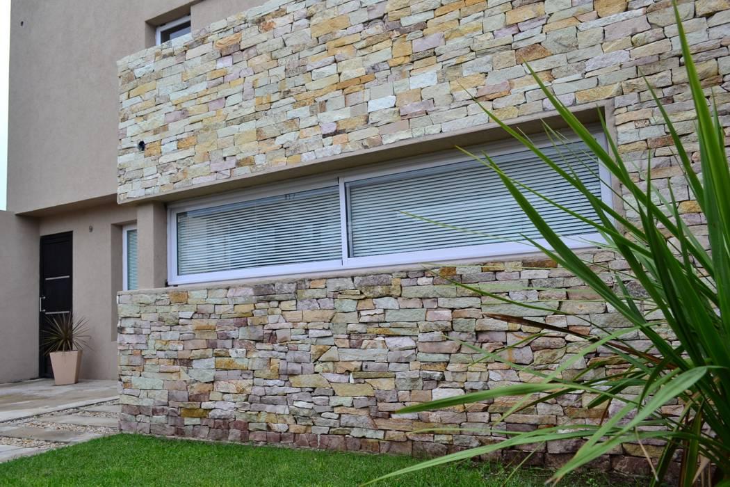 Pintu & Jendela Modern Oleh epb arquitectura Modern