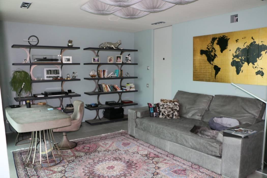 Studio: Studio in stile in stile Moderno di DF Design