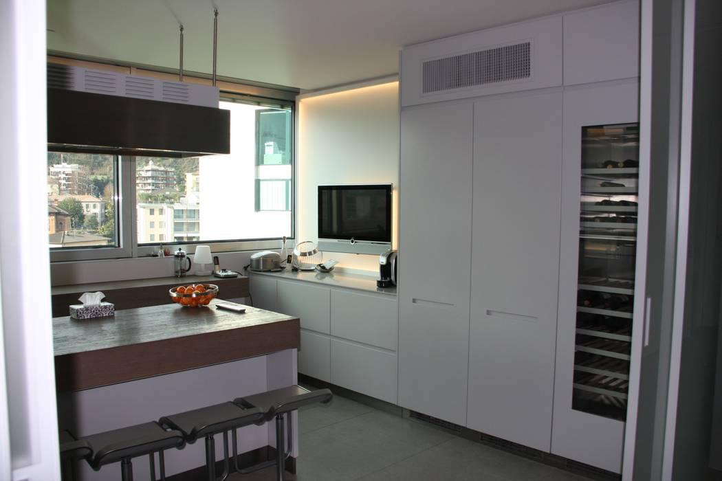 Cucina: Cucina in stile in stile Moderno di DF Design